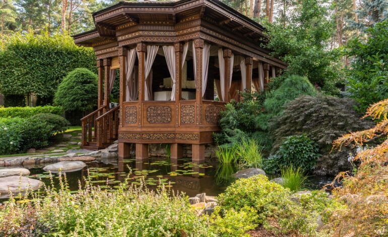 Feng Shui For Your Garden: Tips & Plants